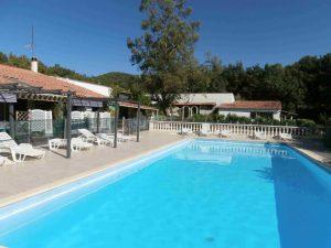 piscine gite-des-hesperides.com