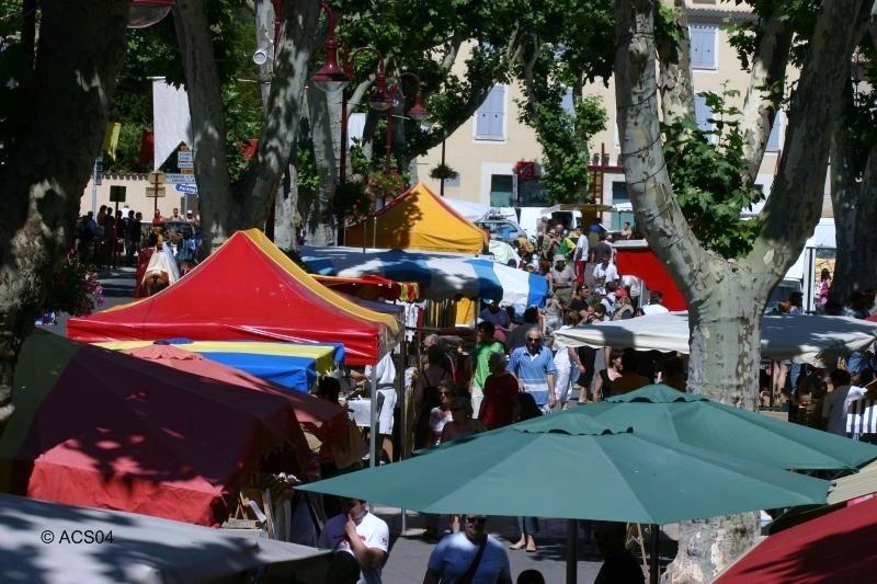 Le Gite des Hesperides : marché de Riez-la-Romaine