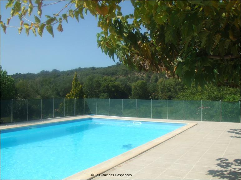 Le Gite des Hesperides : piscine du gite